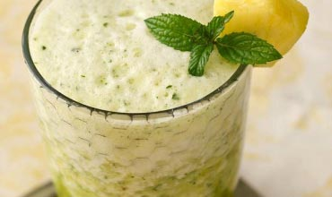 Invigorating_Pineapple-Cucumber_Smoothie